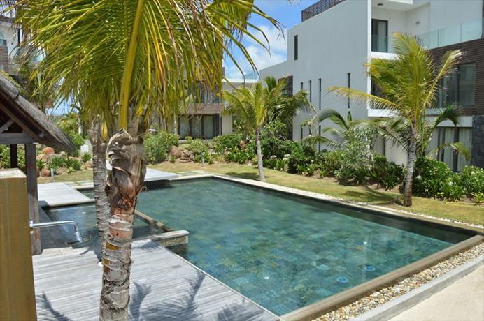 Rose Des Sables Beachfront Apartments - dream vacation