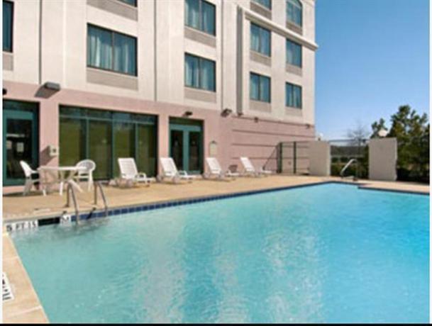 Best Western Plus Birmingham Inn & Suites - dream vacation