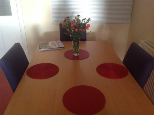 Homestay in Leicester near University of Leicester Botanic Garden - dream vacation