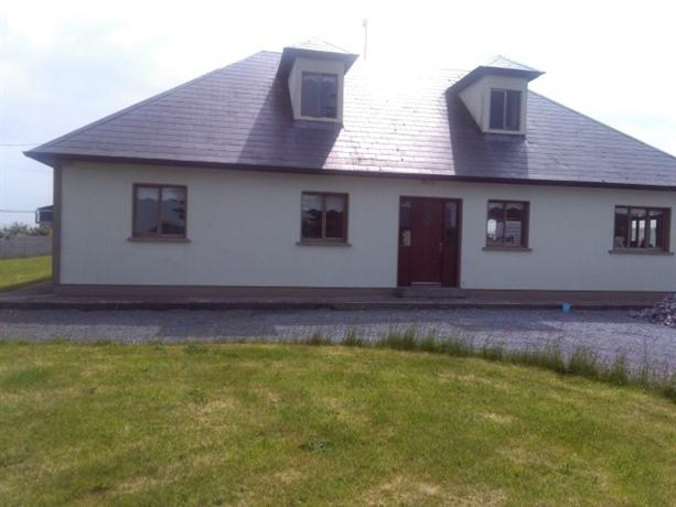 Homestay in Athenry near Athenry Railway Station - dream vacation