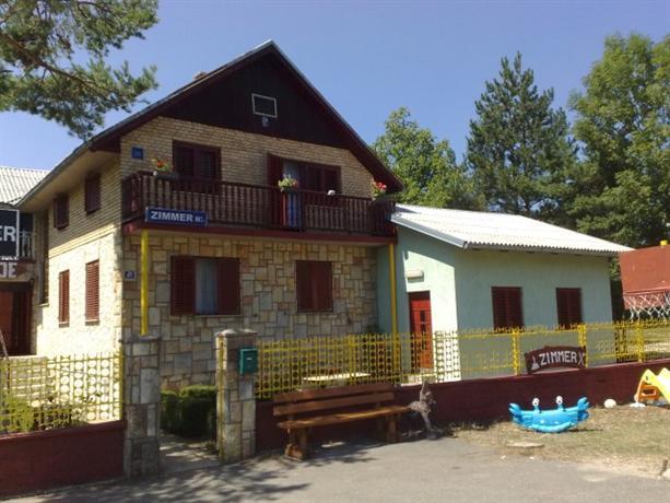 Homestay In Near Two Restoran Plitvicka Jezera - dream vacation