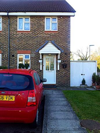 Homestay in Epsom near Fitznells Manor - dream vacation