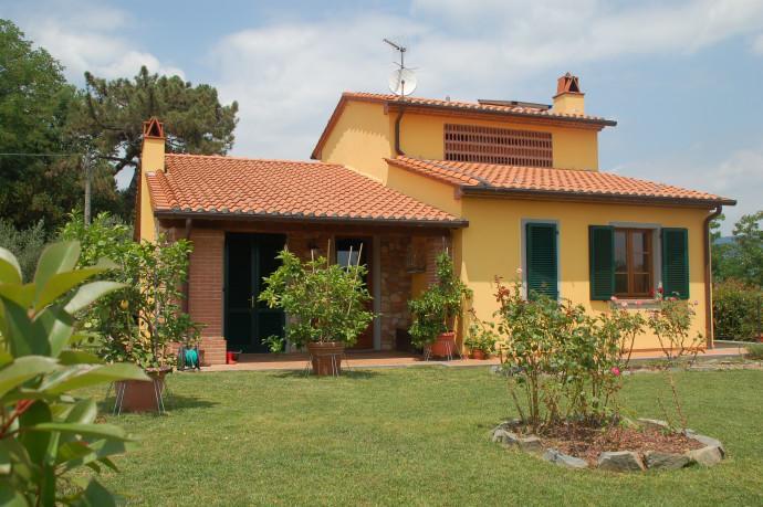 Homestay in Montecarlo near Fortezza di Montecarlo - dream vacation