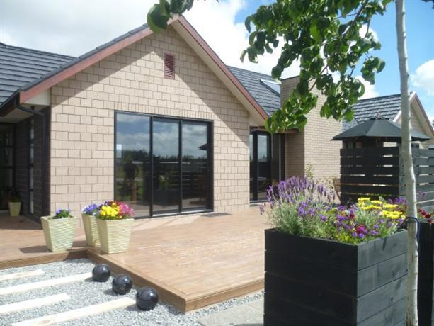 Homestay in West Melton near Sandihurst Winery - dream vacation