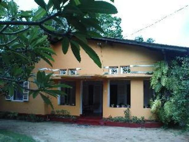 Homestay in Ambalangoda near Kularathna College - dream vacation