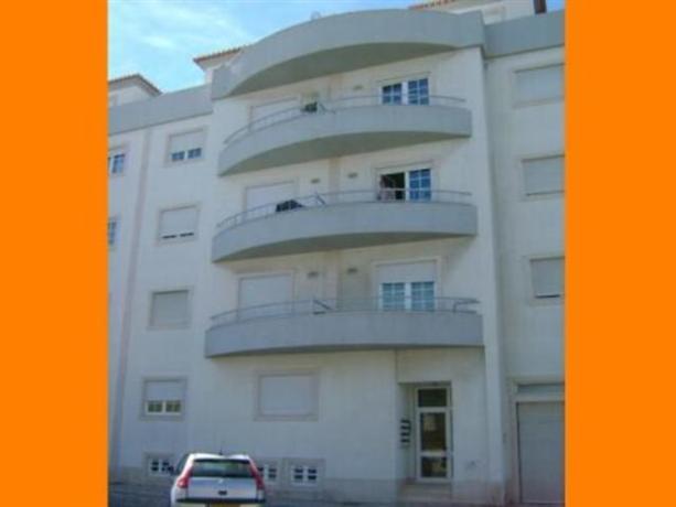 Homestay in Peniche near Peniche Beach - dream vacation