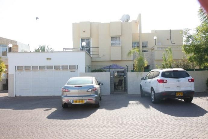 Homestay in Ashdod near City Mall - dream vacation