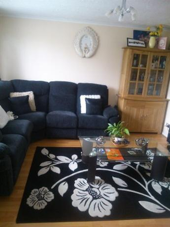 Homestay in Epsom near Ewell West Railway Station - dream vacation