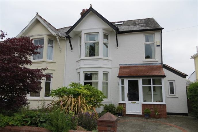 Homestay in Whitchurch near Coryton Railway Station - dream vacation