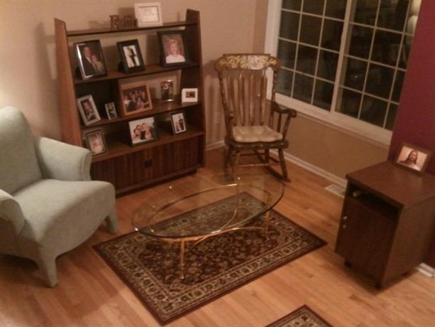 Homestay in Centennial near Saddle Rock Golf Course - dream vacation