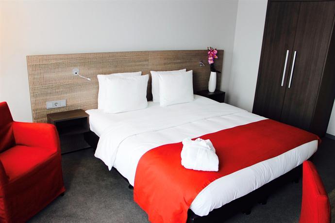 Holiday Inn Dusseldorf - Hafen - dream vacation