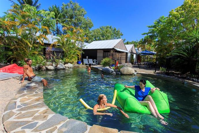 Photo: Coral Beach Lodge