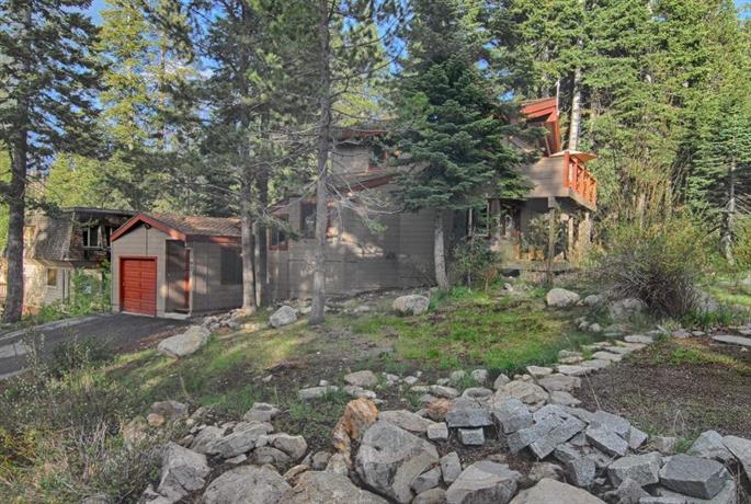 Modern Mountain Chalet