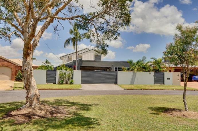 Photo: Coorumbong 36 - 6 BDRM Canal Home With Pool