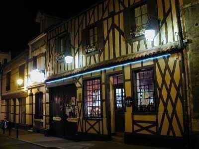 Hotel Restaurant De Seignelay Images