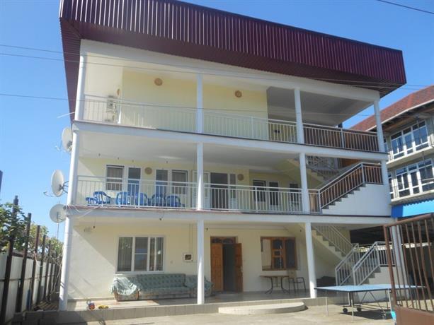 Guest House Ostrov Sokrovishch