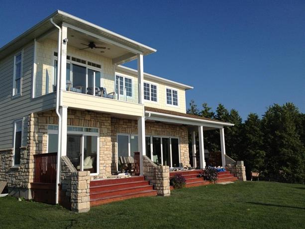 Bluewater Beach House Images