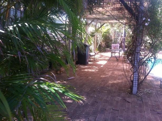 Lemon Tree Lodge Carnarvon Images