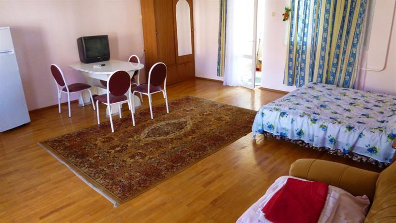Отель На улице Медовой 16