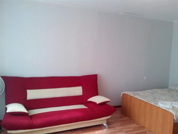"""Apartment """"Kvartirniy Vopros"""" Yurmatinskaya 8"""
