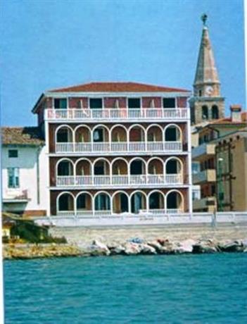 Villa Marin Grado Berdu Saman Tilbod