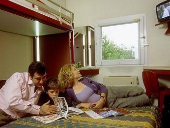 formule 1 magdeburg sud flugplatz compare deals. Black Bedroom Furniture Sets. Home Design Ideas