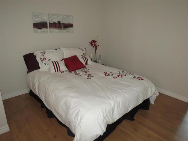 Suite 436 Images