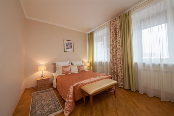 Отель Полиарт