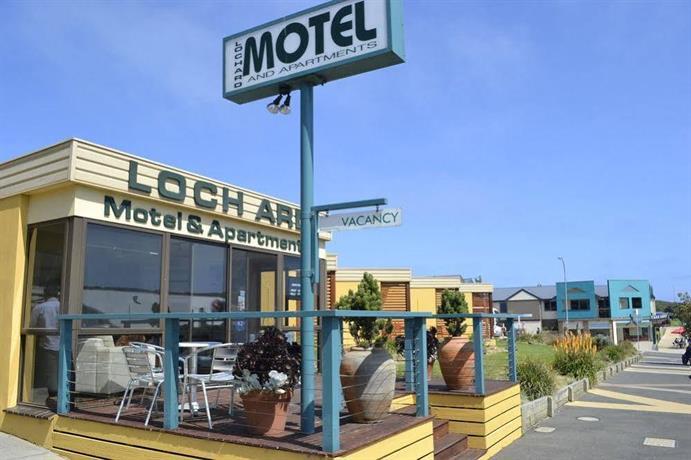 Photo: Loch Ard Motor Inn