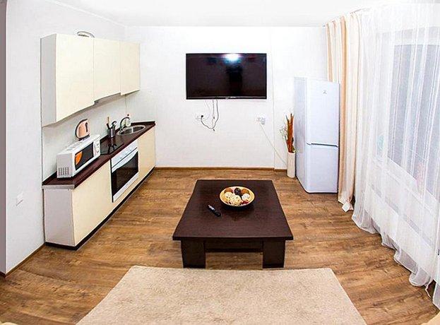 Апартаменты на Романова