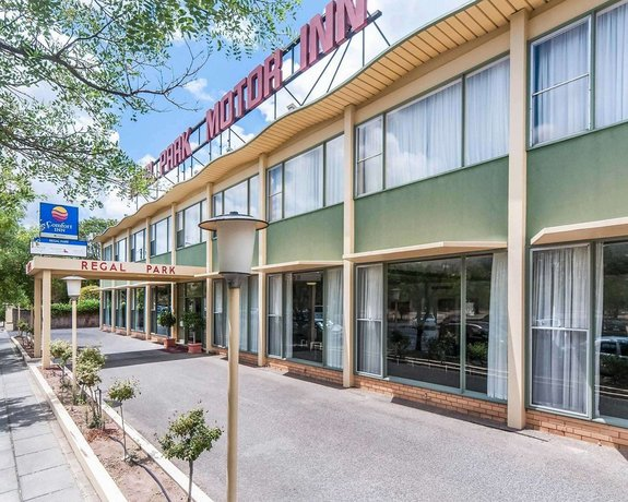Photo: Comfort Inn Regal Park