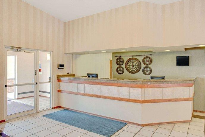 Super 8 by Wyndham Salt Lake City Airport Hotel