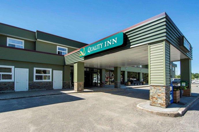 Quality Inn Bracebridge Images