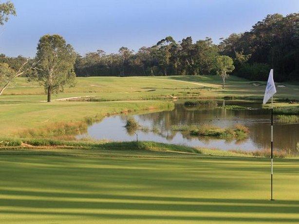 Photo: Riverside Oaks Golf Resort
