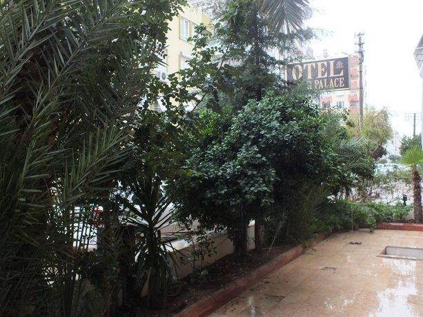 Uyar Palace