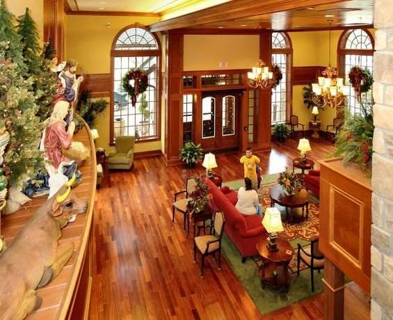 Christmas Inn.The Inn At Christmas Place Pigeon Forge Compare Deals