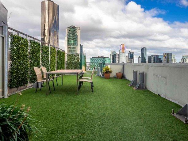 Photo: Riverside Apartments Melbourne