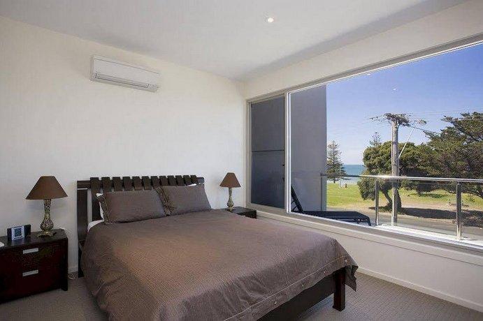 Photo: Two Bays Apartments