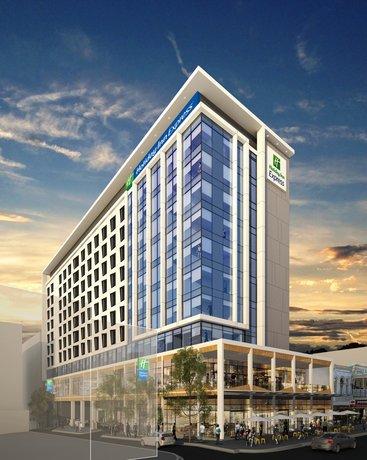 Photo: Holiday Inn Express Adelaide City Centre