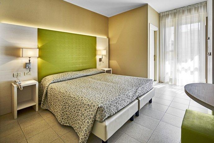 Palace Hotel Regina Bibione Compare Deals