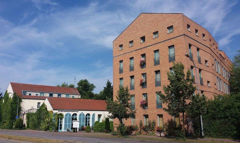 Albergo Hotel Schonefeld Images