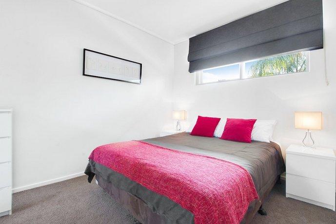 Photo: Adelaide DressCircle Apartments - Sussex Street