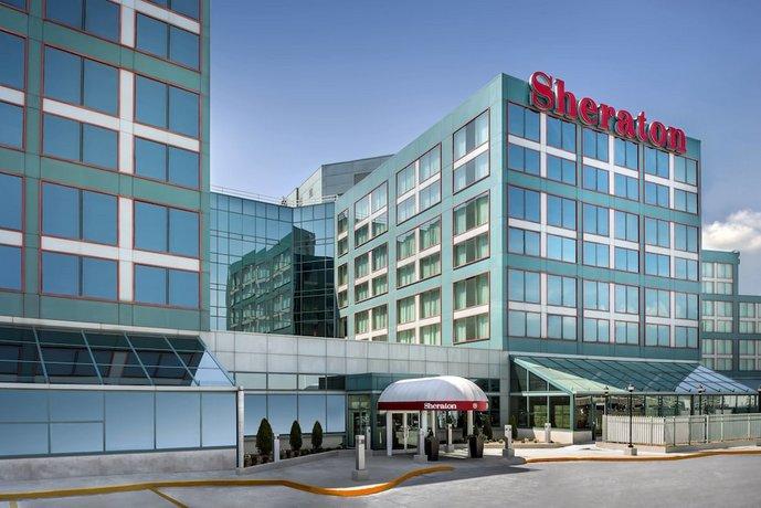 Sheraton Gateway Hotel in Toronto International Airport Images