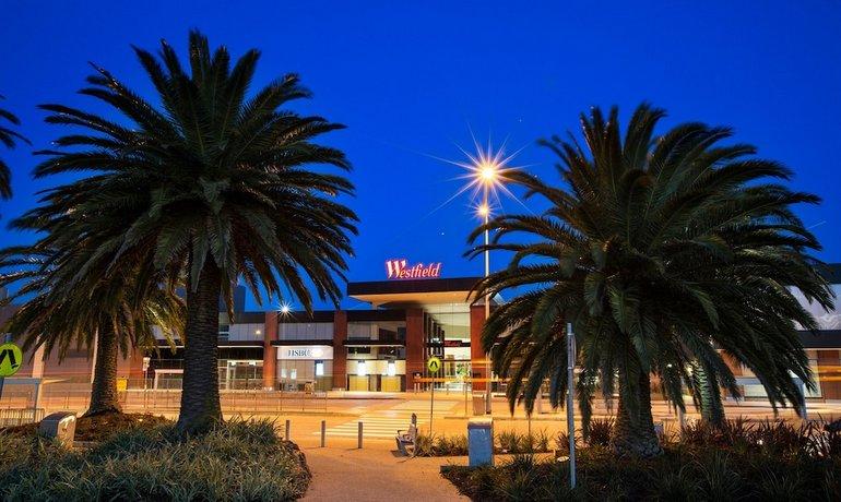 Photo: Nightcap at Shoppingtown Hotel