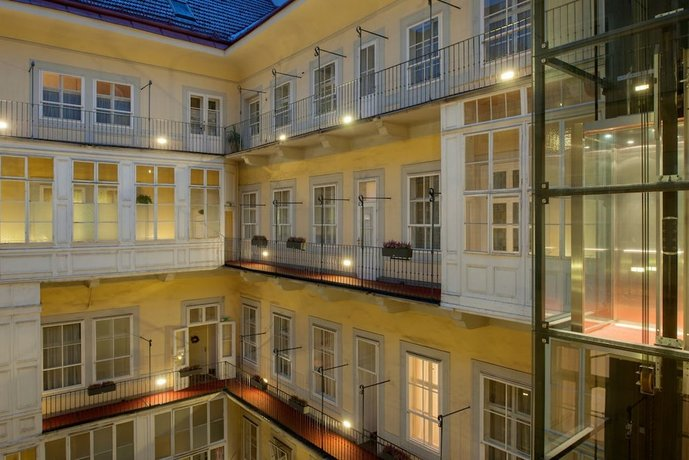 Four Star Hotels in Vienna: Pertschy Palais Hotel