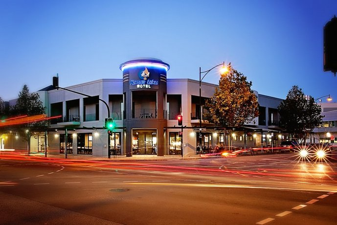 Photo: Mawson Lakes Hotel Adelaide
