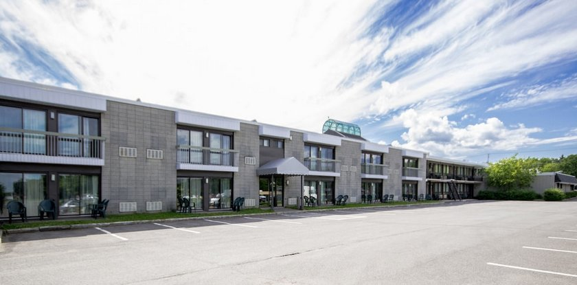 Hotel Quebec Inn Images