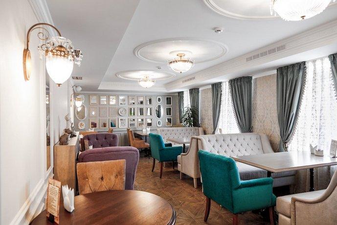 Отель Реноме