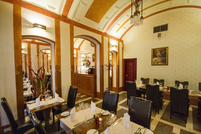 Hotel Majestic Plaza