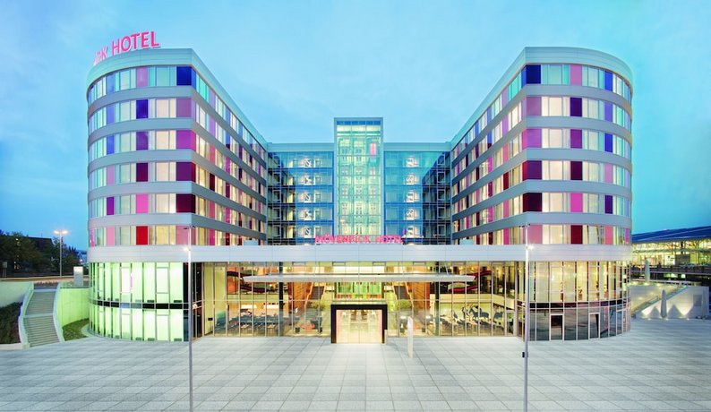 Movenpick Hotel Stuttgart Airport Images